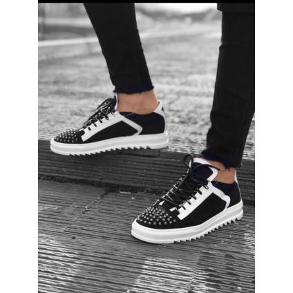 Chaussure à clous